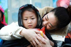 Hoa hậu Khánh Vân mang đông ấm đến đồng bào Lai Châu