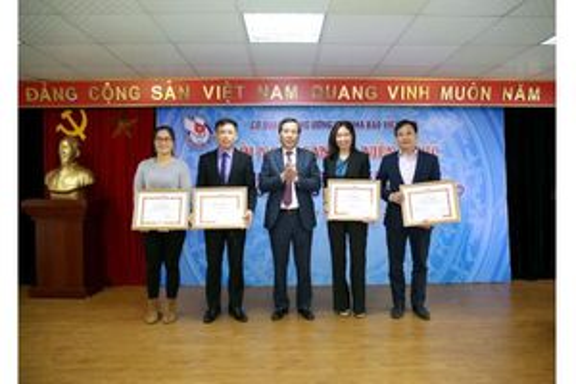 Tạp chí Người Làm Báo nhận bằng khen Chủ tịch Hội Nhà báo Việt Nam