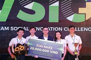 Sinh viên Việt sản xuất pin từ vỏ trấu