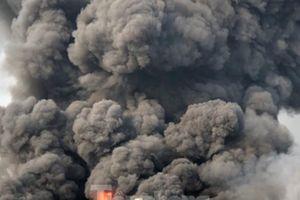 'Bà hỏa' thiêu rụi công ty mút xốp ngày đầu năm