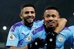 Man City thắng sát nút dù bị VAR tước bàn thắng và phạt đền