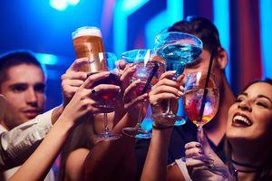 Uống cùng lượng rượu, nồng độ cồn ở nam và nữ khác nhau thế nào?