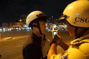 TP.HCM: Bị yêu cầu đo nồng độ cồn, đôi nam nữ tăng ga bỏ chạy gây tai nạn