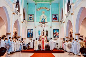 Giáo xứ chính tòa Xã Đoài khai mạc chầu lượt