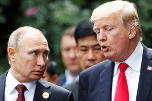 Tổng thống Trump quở trách nhân viên khi hoãn nối máy với ông Putin