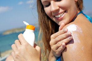 Đất nước đầu tiên trên thế giới cấm dùng kem chống nắng