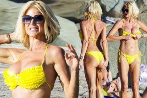 Hoa hậu Thụy Điển mặc áo tắm bé xíu, khoe dáng nóng bỏng ở tuổi 45
