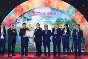 Tập đoàn Phượng Hoàng nhận bằng khen của Thủ tướng