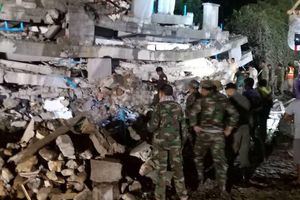 Cập nhật vụ sập nhà tại Campuchia: 7 người chết, 18 người sống sót