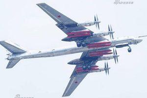 Không hổ danh 'Gấu Bay', Tu-95 của Nga mang sức mạnh răn đe hạt nhân trên không khiếp đảm