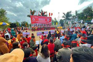 Rực rỡ sắc màu các dân tộc tại ngày hội Chủ nhật Đỏ huyện Krông Pắk