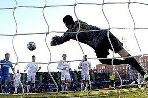 Real lên đỉnh La Liga