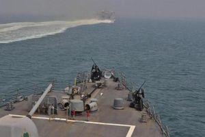 Al-Mayadin: Hải quân Hoa Kỳ khẩn trương rời khỏi eo biển Hormuz