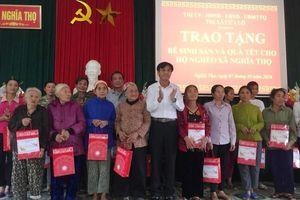 Thị xã Cửa Lò tặng quà người nghèo tại Nghĩa Đàn