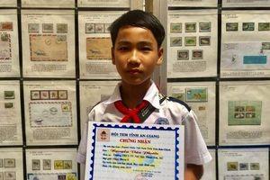 Bộ sưu tập hơn 2.300 con tem của cậu học sinh lớp 8