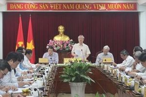 Đồng chí Trần Quốc Vượng làm việc với Tỉnh ủy Đồng Nai