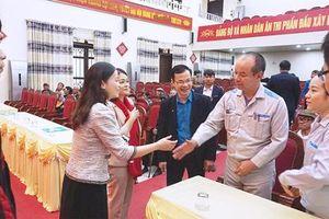 Daikin Việt Nam tặng quà Tết cho các gia đình hoàn cảnh khó khăn tỉnh Hưng Yên