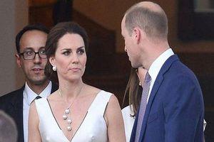 Công nương Kate dính nghi vấn 'nổi trận lôi đình' khi phát hiện Hoàng tử William vẫn lén lút liên lạc với kẻ thứ 3