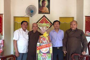 Tây Ninh : Ban Dân vận chúc Tết chức sắc tôn giáo