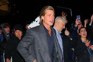 Brad Pitt bảnh bao đi dự tiệc sau ồn ào có tình mới