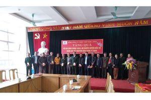 VNSTEEL: Trao quà cho các gia đình chính sách tại tỉnh Lào Cai nhân dịp Xuân về