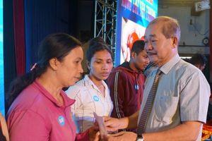 Vòng tay yêu thương hỗ trợ công nhân bị bệnh hiểm nghèo