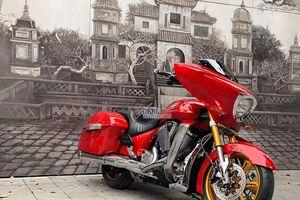 Mê mẩn ngắm siêu mô tô mạ vàng 24k của dân chơi Hà Nội
