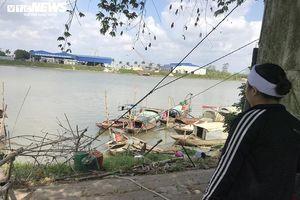 Nỗi đau tột cùng của 3 đứa trẻ sau khi bố mẹ tử nạn trên sông Trà Lý, Thái Bình