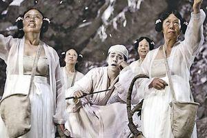 'Bác gái xấu xí' phim Châu Tinh Trì mua 2 ngôi nhà ở tuổi 70