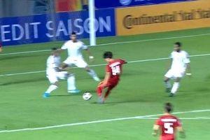 Vì sao U23 Việt Nam không được hưởng 11m dù bóng chạm tay cầu thủ UAE?