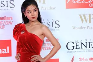 Hoàng Yến Chibi đẹp hút hồn trên thảm đỏ