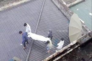 Phát hiện thi thể người đàn ông trên mái nhà của bệnh viện