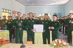 Thượng tướng Trần Quang Phương kiểm tra và chúc Tết một số đơn trên địa bàn Đắk Lắk