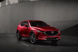 Mazda CX-5 giảm giá 100 triệu đồng tại Việt Nam, cạnh tranh Honda CR-V