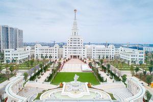 Cận cảnh VinUni, trường được đầu tư 6.500 tỷ, mang kiến trúc châu Âu