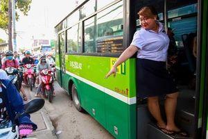 Bị nợ lương, tài xế xe buýt ở TP.HCM đình công