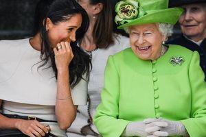 Công nương Meghan không gọi tới cuộc họp khẩn cấp với Nữ hoàng Anh