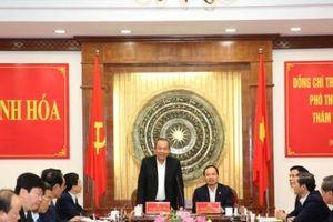 Phó Thủ tướng Trương Hòa Bình làm việc, tặng quà Tết tại Thanh Hóa