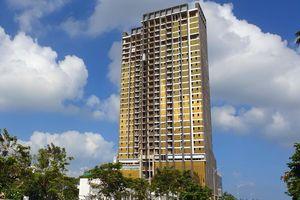 Cận cảnh tòa cao ốc ốp kính vàng phản quang gây 'nhức' mắt ở Đà Nẵng
