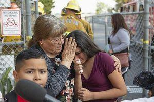 Hạ cánh khẩn cấp, máy bay xả xăng xuống trường học khiến hàng chục trẻ em bị thương