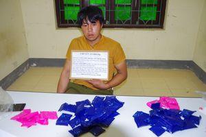 Bắt đối tượng vận chuyển trái phép 10.000 viên ma túy tổng hợp