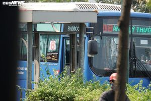 Khởi tố nhóm côn đồ đập phá xe buýt ở TP.HCM