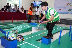 48 Robot do sinh viên chế tạo tranh tài gay cấn