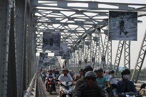 Loạt ảnh của người Pháp về Việt Nam trên cầu Tràng Tiền