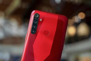 4 smartphone thiết kế đẹp, màu hấp dẫn đáng mua dịp Tết