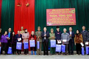 Thứ trưởng Lê Văn Thanh thăm, tặng quà Tết tại Thanh Hóa