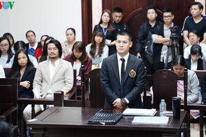 Việt Tú và Công ty Tuần Châu hòa giải, dừng tranh chấp bản quyền
