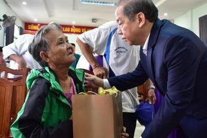 Đón Tết cuối cùng trên Thượng thành, nhiều hộ nghèo xúc động khi Chủ tịch tỉnh thăm hỏi, tặng quà