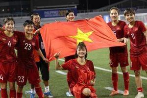 Chia thưởng tuyển nữ Việt Nam: Ngồi bàn giấy xếp loại A-