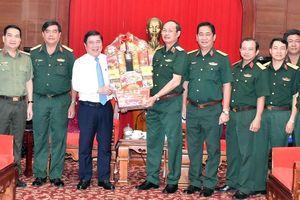 Đồng chí Nguyễn Thành Phong thăm, chúc tết một số đơn vị quân đội và cá nhân